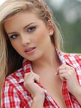 Yasmin Assis 08