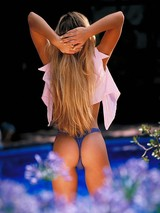 Joanna gets wet by the pool and rubs 13
