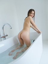 Alisha I - Let's Take A Bath 07