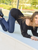 Moka In Sexy One In Jeans 04