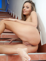 Sexy Mango A Shows Her Nice Pussy 02