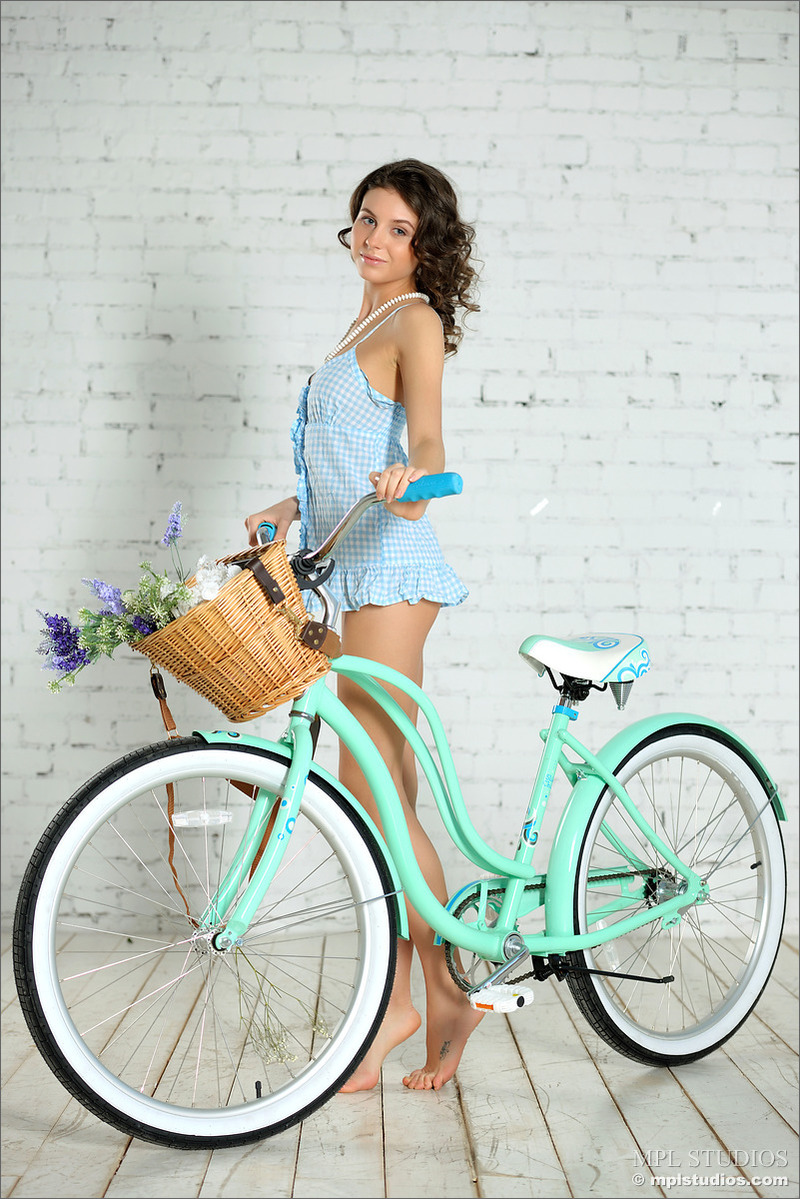 Bree And The Bicycle 01