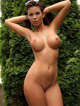 Vanessa outdoors 09