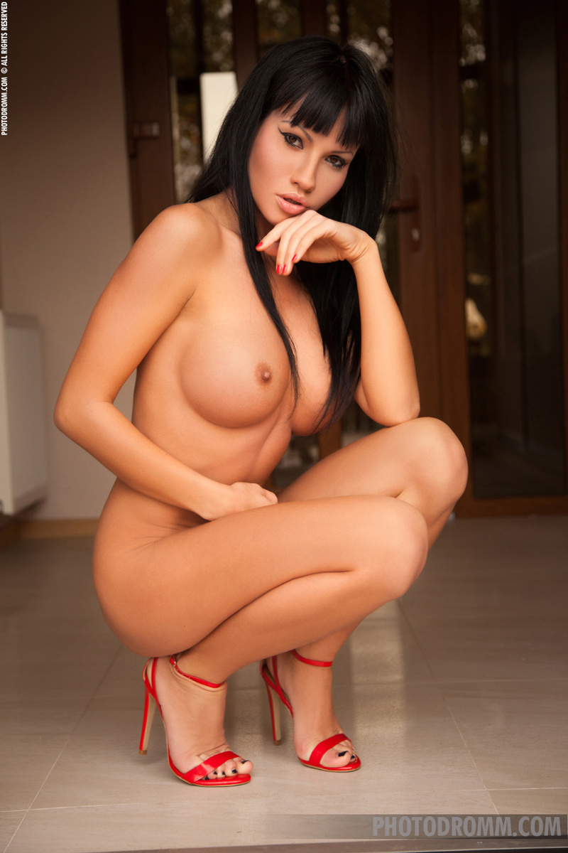 Busty women in heels gallery