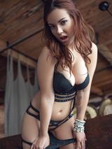 Glamorous babe in black lingerie 01