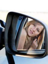 Mila In Das Auto 02