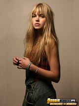 Aimee Teegarden 02