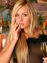Sexy Blondes 01