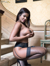 Sophia Lares 08