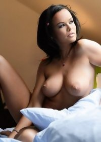 Linet on a bed