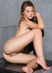 Anna Tatu Takes A Hot Shower