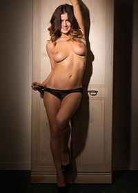 Kelly - Sexy Wardrobe