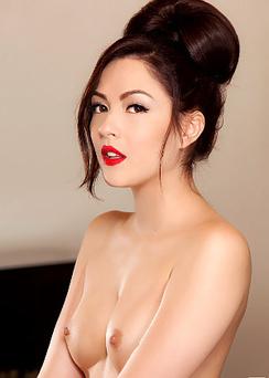 Sexy Brunette Cybergirl Cassie Laine