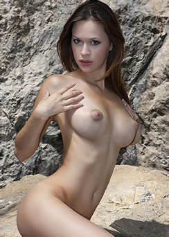 Marlen Busty Nude Girl Posing Outdoors