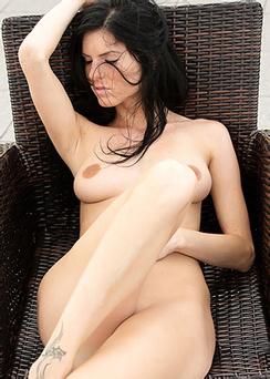 Eileen Spreads Her Thighs