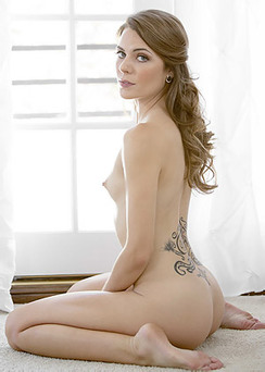 Sexy Young Babe Ally Tate Gets Nude