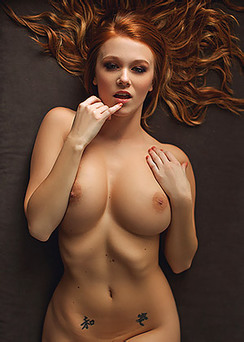 Unpublished Playboy Pictures Of Leanna Decker