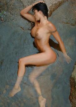 Laura - Humid Skin